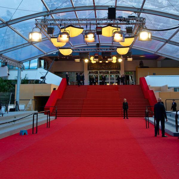 Фестивалът в Кан – история на червените стълби