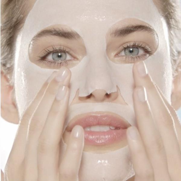 Tissue маски: Начин за хидратиране на кожата на лицето, който просто трябва да пробваш