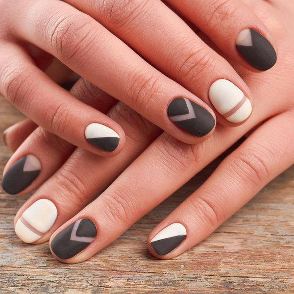 Нашата нова зимна мания: Матови нокти