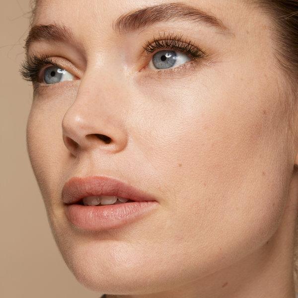 Ново: Фон дьо тен, който хидратира и подобрява качеството на кожата