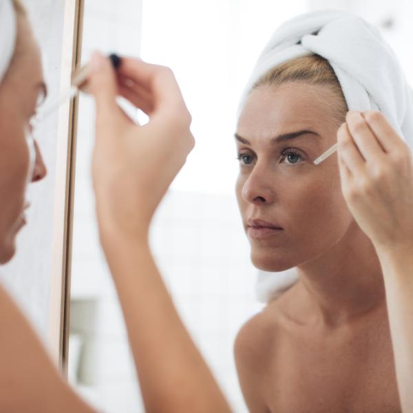 Серум за лице – какво е и как правилно се използва?