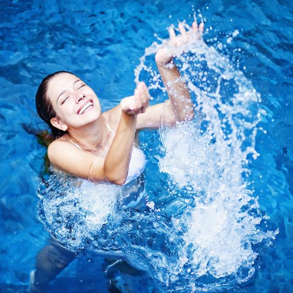 Как да хидратираме кожата през лятото