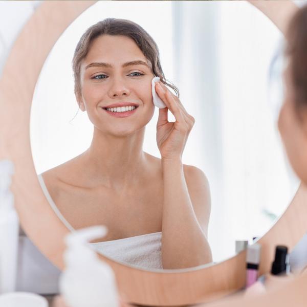 Защо мицеларната вода е съвет #1 на всеки дерматолог!